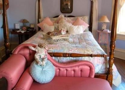 The Empress of Little Rock Eliza bedroom