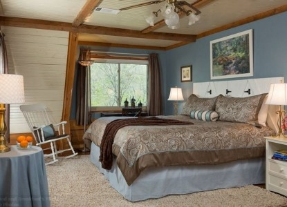 Tiffany's Bed & Breakfast bedroom
