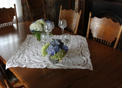Tayberry Cottage Bed & Breakfast dining table