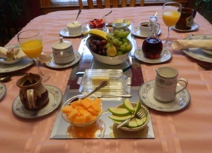 Village Victorian Bed & Breakfast dining table food