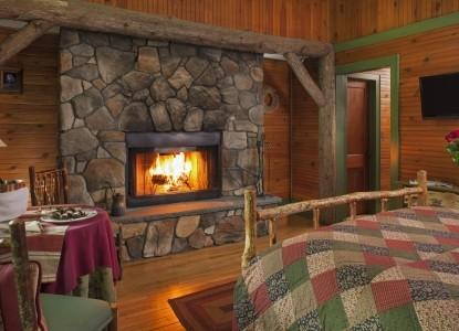 Friends Lake Inn, fireplace