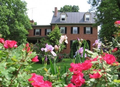 The Jackson Rose Bed & Breakfast front of inn