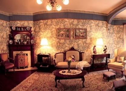 Bechtel Victorian Mansion Bed & Breakfast Inn victorian parlor suite