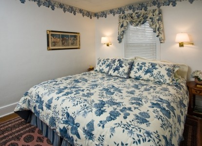 Great In-Town location makes the Lodge the perfect place to enjoy Lexington, all sites walkable. Hiking and Outdoor Advice.