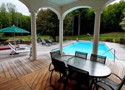 Enchanted Manor of Woodstock pool