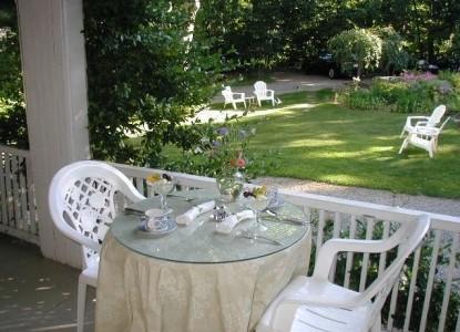 Inn at Tanglewood Hall patio