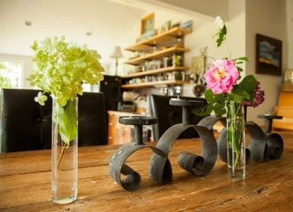 Walnut Hill House B&B Retreat vases
