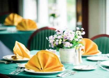 Whitestone Country Inn dining table
