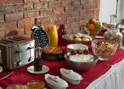 The Roosevelt Inn-Breakfast