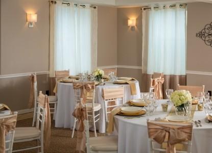 The Roosevelt Inn-Wedding tables