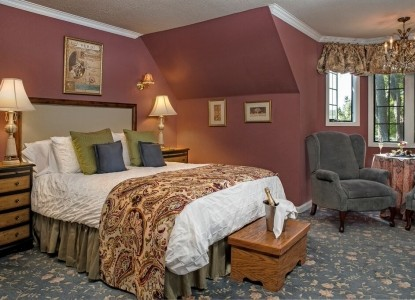 The Candlelight Inn — a luxurious Napa Valley bed and breakfast. Located near downtown Napa, this lovely 1929 English Tudor inn is centrally located to all the wonders of wine country, yet oh, so far