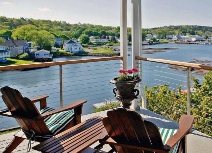 Harborage Inn on the Oceanfront deck