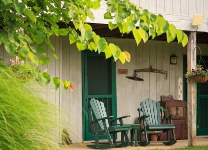 Inn & Spa At Cedar Falls rocking chairs