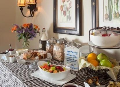 Chanticleer Inn Bed & Breakfast breakfast table