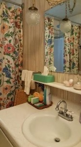 Walnut Acres Bed & Breakfast bathroom