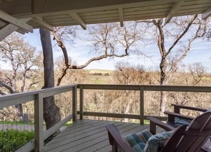 Chanticleer Vineyard Bed and Breakfast-Room 2 Outside view