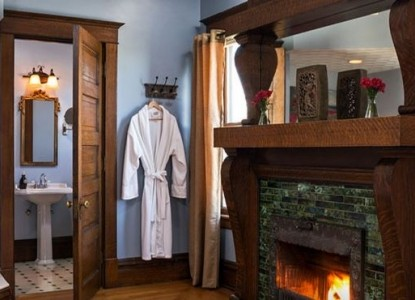 Castle in the Country Bed & Breakfast Inn-Kingdom Suite