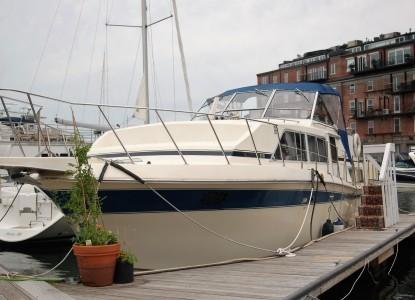 The Golden Slipper - Boston's BandB Afloat and Charter Harbor
