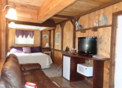 e5b9097f287 The Heavenly Nights Suite is a perfect choice for one of your weekend  getaways. The suite is decorated with a rustic garden theme in creams and  purples.