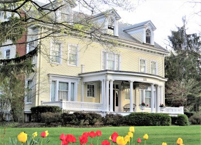 Highly rated AAA Four Diamond Inn - B&B Northwest Oh near Sandusky, Lake Erie Islands ferries, Cedar Point, Romantic & Golf pkgs