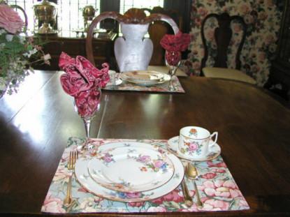 English Manor, table setting