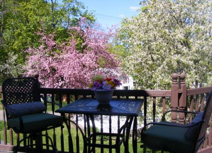 Five room Inn, all with private baths, with views of Seneca Lake in the village of Watkins Glen.