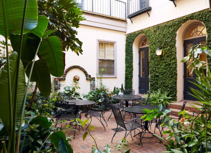 A garden oasis in the heart of the city!