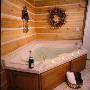 Cabins and Candlelight, jacuzzi tub