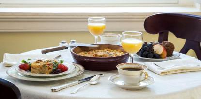 Rachel' Dowry, breakfast