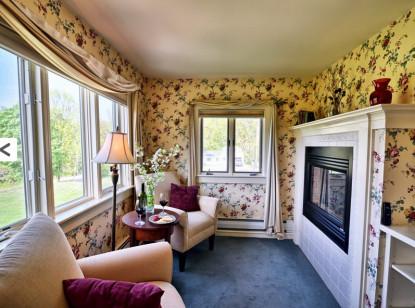 Mt Washington Suite