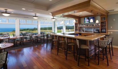 Golf Arcadia Bulffs, dining