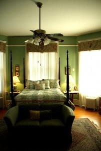 Wisteria /hall room