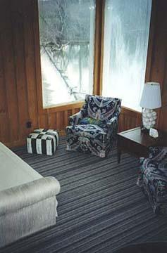 Parish Patch Farm & Inn - Whitney Chapel Cortner Suite Living Room