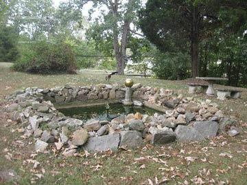 Nolan House Bed & Breakfast Pond