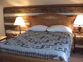 Oak Hill Farm and Cabins Bedroom