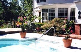 Pinecrest Cottage & Gardens - Louisville, Kentucky-Swimming Pool