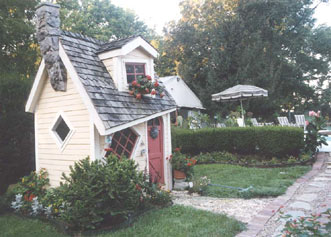 Pinecrest Cottage and Gardens-Crooked Little House