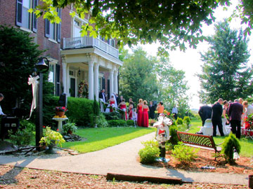 Maple Hill Manor B&B, Alpaca & Llama Farm, and Fiber Farm Store, Weddings