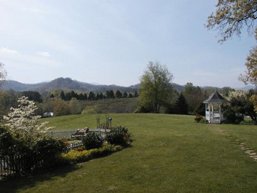 Blue Mountain Mist Country Inn and Cottages Beautiful surroundings