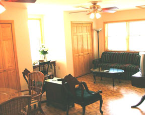 Holcombe Guest House Bed & Breakfast-Living Area