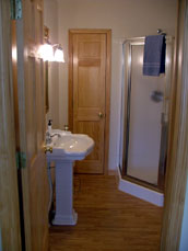 Holcombe Guest House Bed & Breakfast-Bathroom