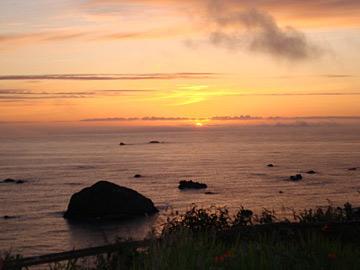 Turtle Rocks Oceanfront Inn-Breathtaking Sunsets