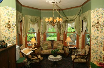 Kingsley House Bed and Breakfast Inn-Parlor