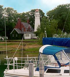 Raymond House Inn, Lighthouse