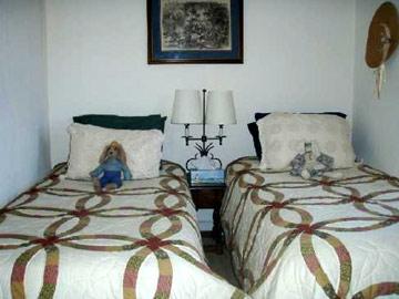 Battlefield Bed & Breakfast Inn twin beds