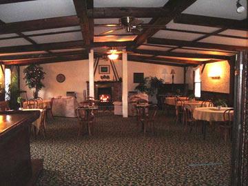 Greene Mountain View Inn Lounge & Bar Area