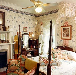 Twenty-four Thirty-nine, A Bed and Breakfast, Vicki Gail Suite