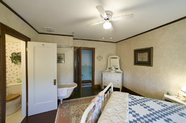 Triangle Ranch Bed & Breakfast, Soak Away Your Stress In Your Claw Foot Tub