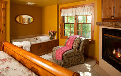 Chanticleer Guest House-Oak Cottage