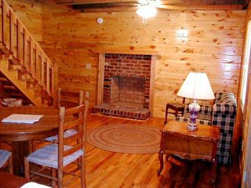 Hunter's Run Lodge Bed & Breakfast Cabin Living Room